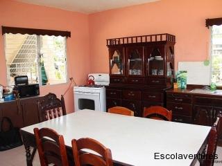 common-use-kitchen-at-rainforest-haven-inn-jpg