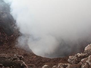 masaya-volcano-steam-vent