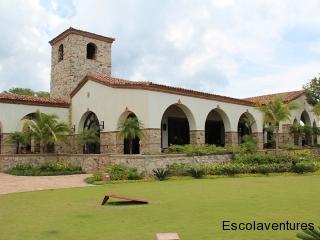 clubhouse-at-rancho-santana