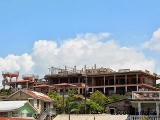 great-mayan-prince-hotel-on-hill-jpg